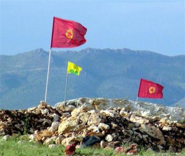 Karakol duvarına Öcalan bayrağı
