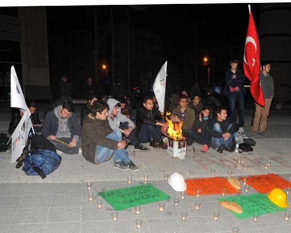 Türkiye Soma'da ölen işçiler için ağlıyor