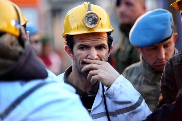 Maden ocağında çalışan işçilerin maaşı