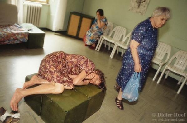 Akıl hastanesinden acı görüntüler