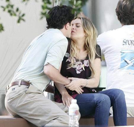 Lindsay Lohan kimle öpüşüyor?