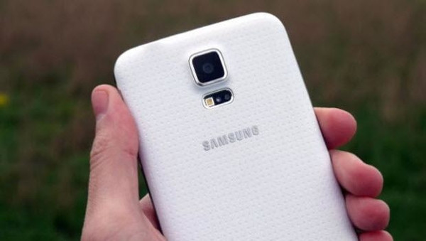 Galaxy S5 Prime geliyor