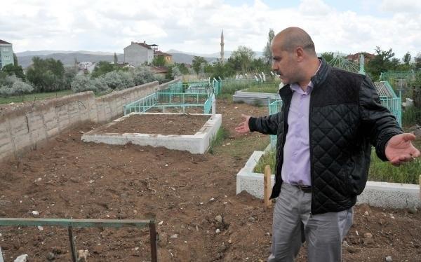 """Sivas'ta """"PKK Mezarlığı"""" Şaşkınlığı"""
