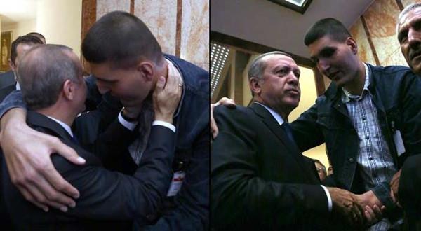 Başbakan Erdoğan'a öyle bir sarıldı ki!