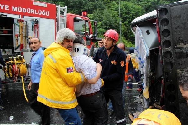 TEM Otoyolu'nun İstanbul istikameti trafiğe kapatıldı!