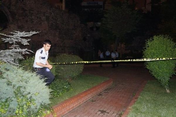 Fatih'teki surlarda yanmış kız cesedi bulundu!
