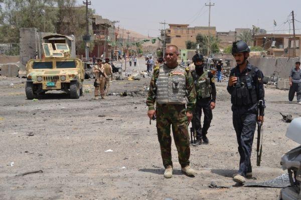 Polis noktasında bombalar patladı:24 ölü