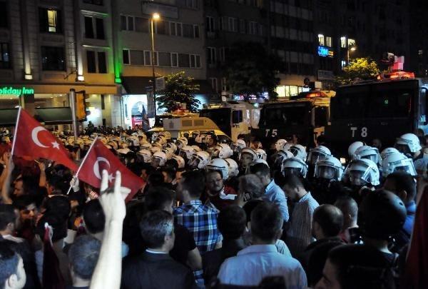 Polis Taksim'e geçilmesine izin vermedi