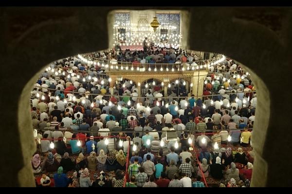 Berat Gecesi, milyonları duada buluşturdu
