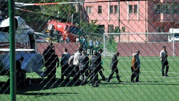 Başbakan Erdoğan'ın helikopteri inerken 3 kişi yaralandı