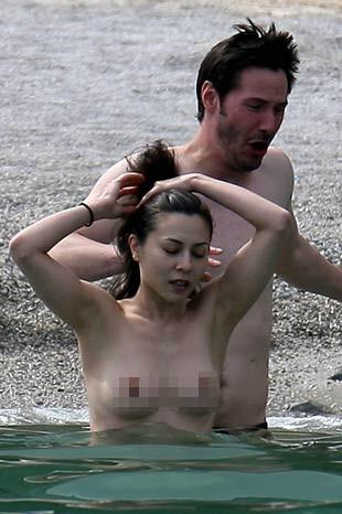 Keanu Reeves, China Chow ile yakalandı
