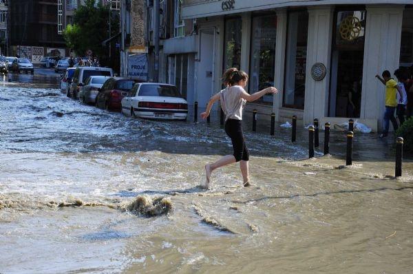 40 dakikalık yağış dereleri taşırdı