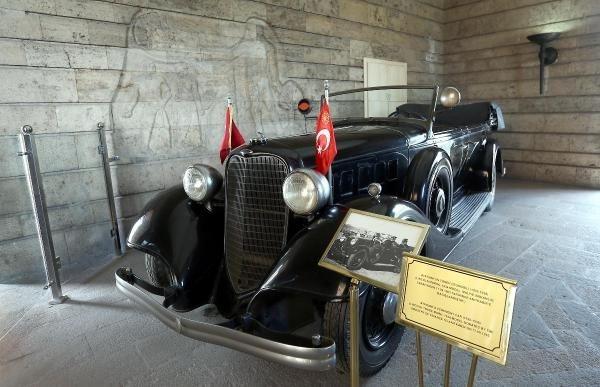 Atatürk'ün makam araçları bakıma alınıyor
