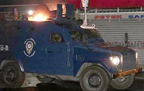 Okmeydanı'nda zırhlı araç alevler içinde kaldı