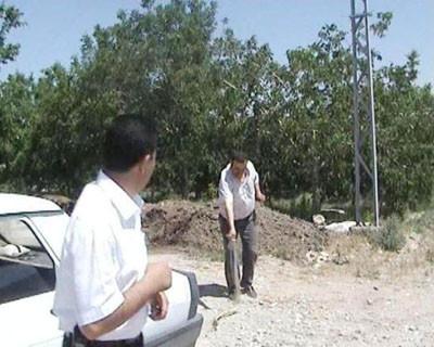 AKPliden yılan öldürme şovu!