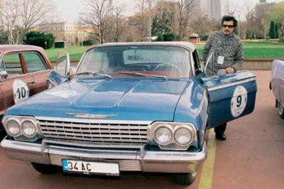 Klasik otomobil seven ünlüler!