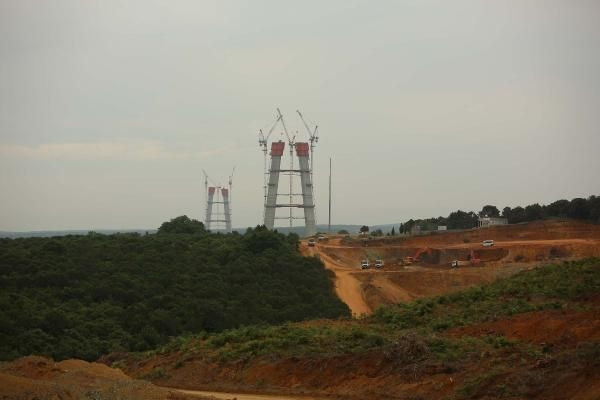 3. köprü ayaklarının yüksekliği 245 metreyi geçti