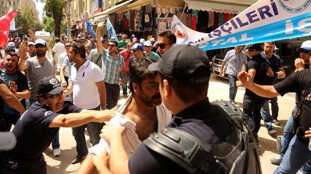 Cam işçileri ile polis arasında arbede
