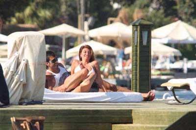 Arkadaşları Euro08de o plajda terliyor