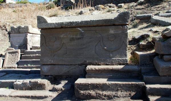 Çanakkale'nin 'et yiyen' mezarı