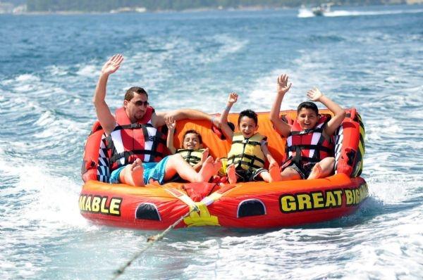 Turistlerin vazgeçilmezi su sporları