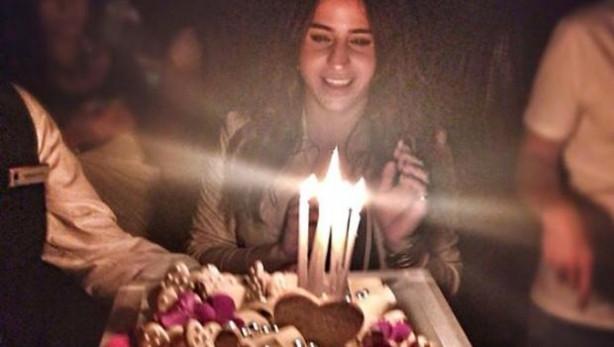 Büşra Pekin doğum gününü kutladı