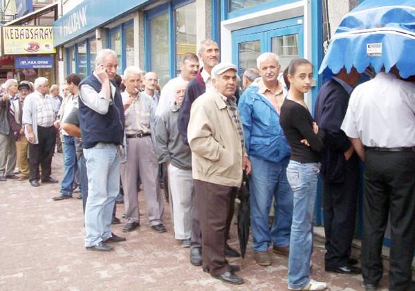 Emekliler enflasyon zammıyla ne kadar maaş alacak?