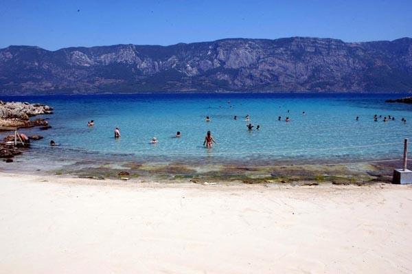 Terliğin yasak olduğu plaj