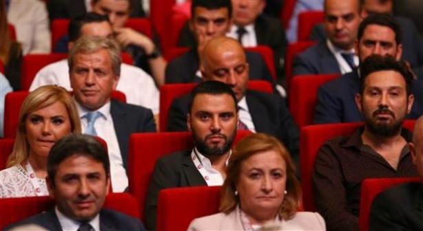Başbakan'ın Vizyon Belgesi'ni açıkladığı toplantıya katılan ün