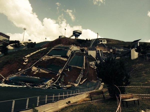 Erzurum'da kayakla atlama kulelerinde toprak kayması