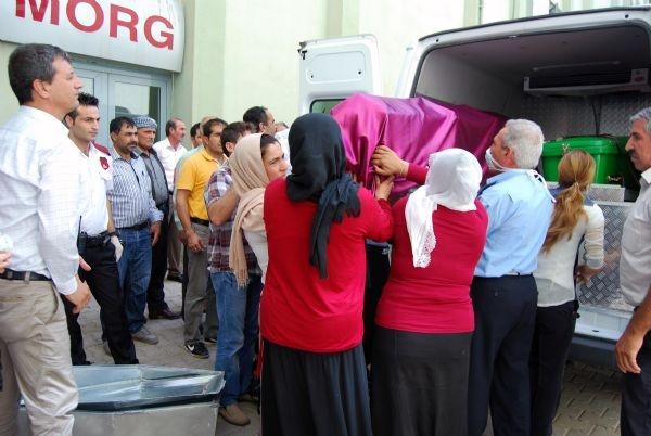 Tabutunu kadınlar taşıdı