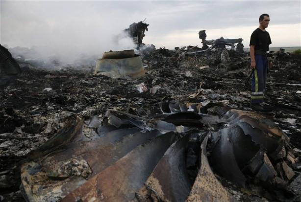 Malezya uçağı enkazından ilk görüntüler