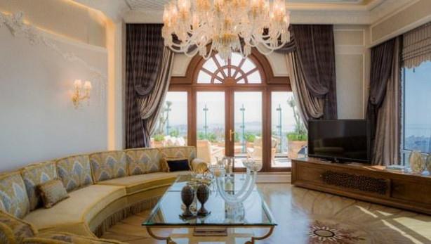 Ali Ağaoğlu yeni evinin kapılarını açtı