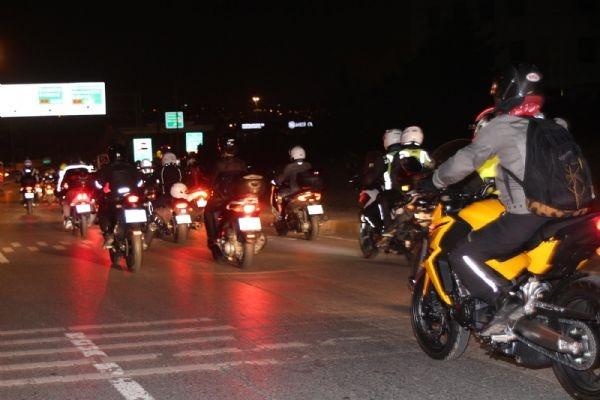 300 motosikletçi karşıladı