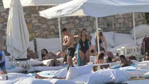 Zehra Çilingiroğlu'da tatile çıktı