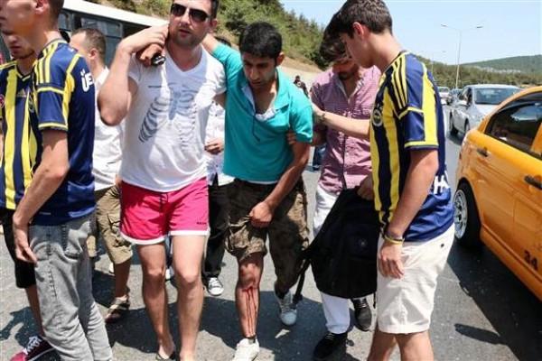 Ümraniye'de halk otobüsü kaza yaptı
