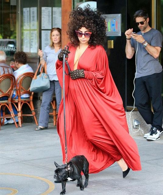 Lady Gaga'nın sıradışı kıyafetleri