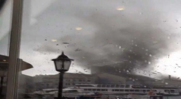 İstanbul'da hortum dehşeti
