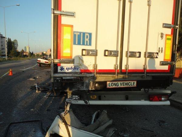 Uşak'ta feci kaza: 4 ölü, 2 yaralı