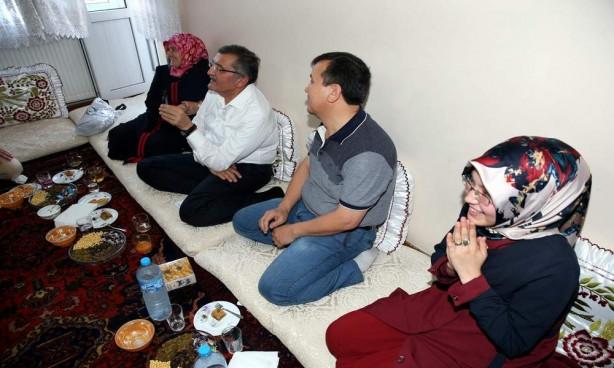 Başbakan araya girdi dargın baba-kız barıştı