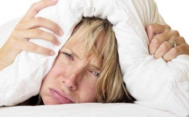 İşte sıcaklarda uyumayı kolaylaştırmanın 7 yolu
