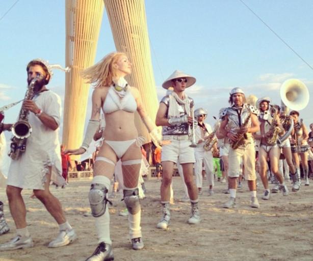 'Yanan adam' festivali başladı
