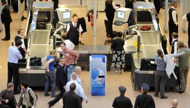 Havalimanı güvenliğine takılan tuhaf şeyler