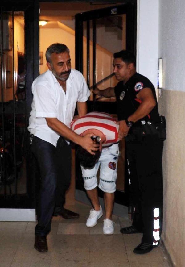 Sevgilisinin elinden polis kurtardı