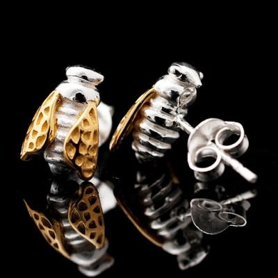 Strange of London'dan arı tasarımlı takılar