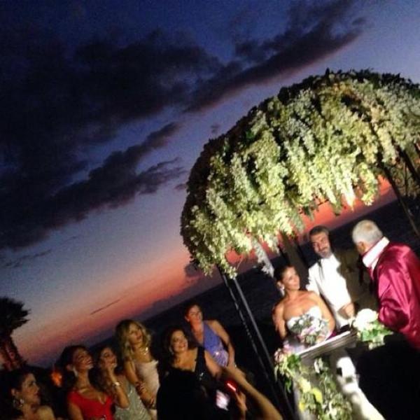 Sosyete düğününü sarsan skandal