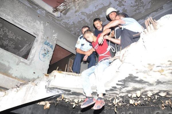Polis bonzai kullanan gençleri böyle kurtardı