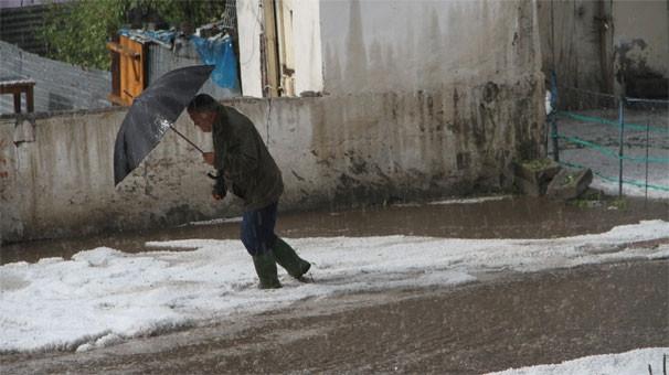 Ardahan'da dolu yağışı