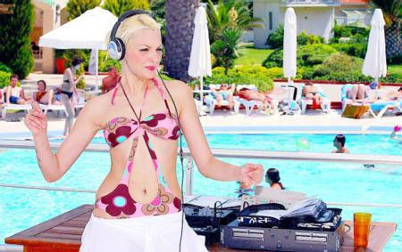 DJ Berna Öztürk