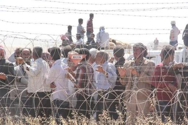 Suruç'ta sınır savaş alanına döndü